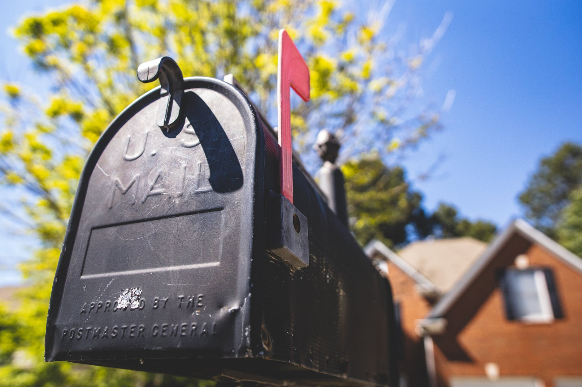 Mail forwarding: American English moving vocabulary